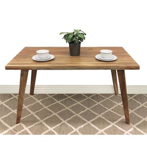 Oora dining table accacia